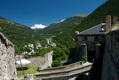 Ausblick vom Fort Queyras entlang das Guil-Tals
