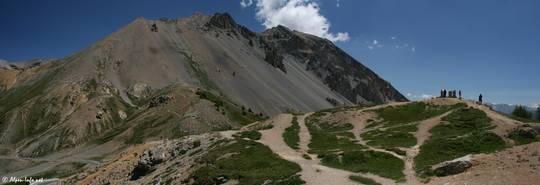 Der Aussichtspunkt mit dem 2811 Meter hohen Côte Belle im Hintergrund