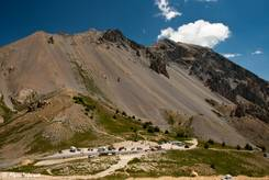 Der Col d'Izoard mit dem Parkplatz an der Passhöhe