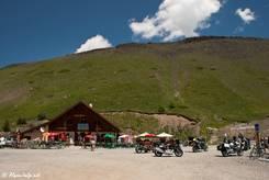 Kleiner Souvenirladen direkt am Scheitelpunkt des Col de Vars