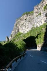 Kalkgestein im unteren Teil der Schlucht (Blick Richtung Süden)