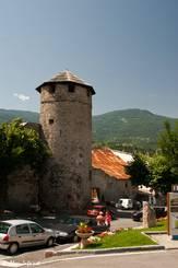 Der Tour d'Eygliers aus dem Jahr 1392 am Rand der alten Dorfkerns