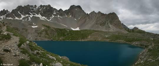Der Lac Sainte-Anne in den Bergen des Queyras