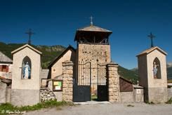 Die Kirche Saint-Romain in Molines-en-Queyras