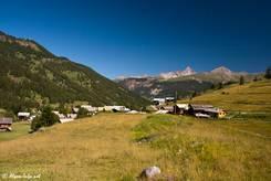 Häuser des Dorfes Molines-en-Queyras im Tal der Aigue Agnelle